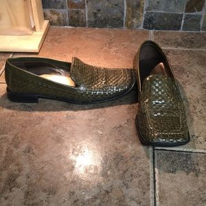 Vintage A. Marinelli green woven leather loafers